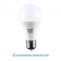 Bombilla 11w 6500k Sensor Crepuscular Fabriplus Standar E27 900lm 11,7x6x6 Cm